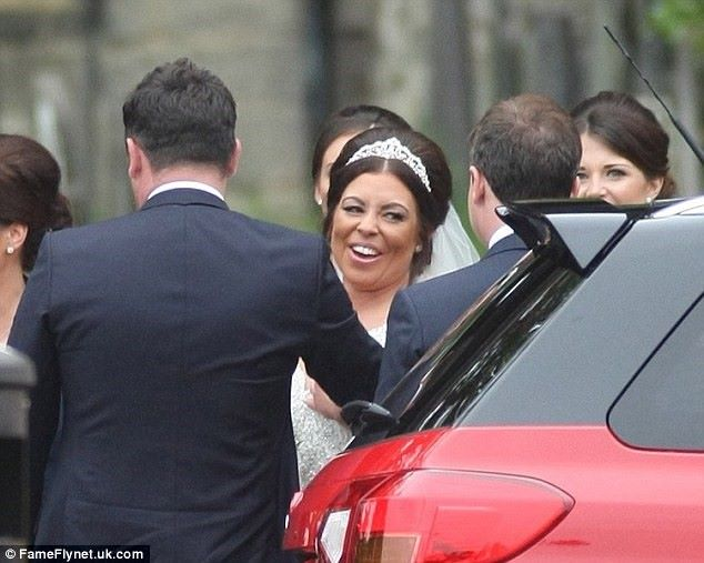 Ant & Dec Suprise Bride In Brand New Suzuki Vitara